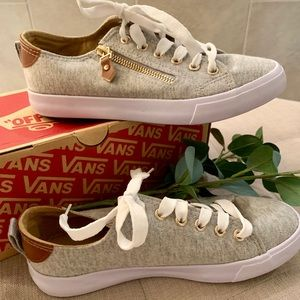 Shoes - Vans sneakers